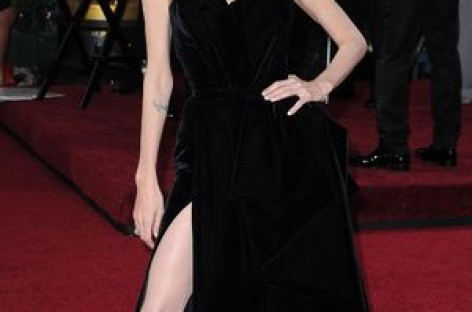 And A Meme Is Born – The Angelina Jolie #legbomb