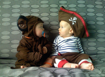 How to Choose a Safe Costume for Your Baby