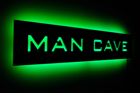 5 Essential Devices for the Ultimate Man Cave